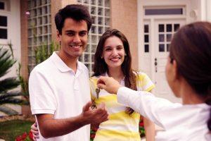 Rentar o comprar casa, ¿qué es mejor?