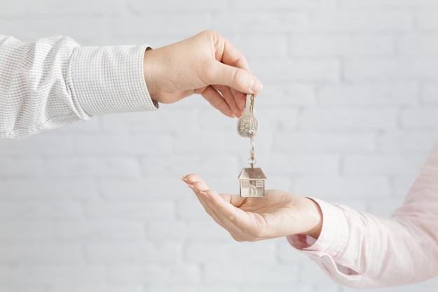 Cómo invertir en bienes raíces y potencial mi capital