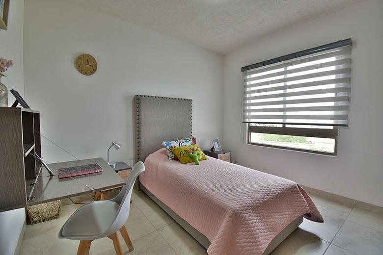 Casas en León, Gto. Capellanía Residencial, modelo Málaga, recámara secundaria.