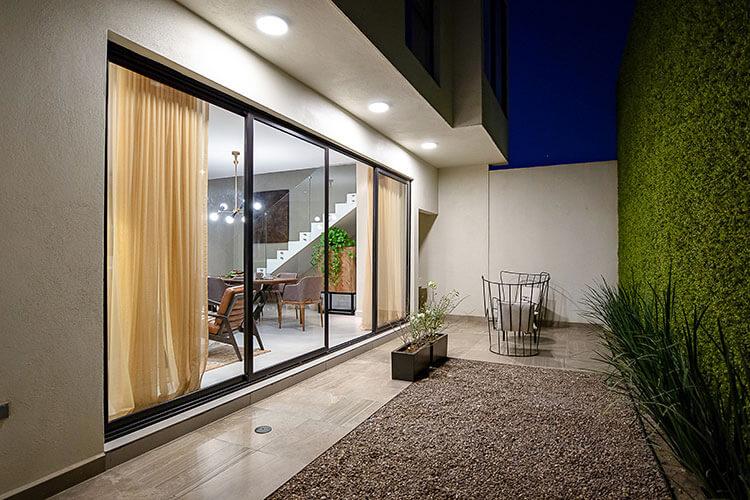 Patio de casa en Cumbres modelo Inland en Península.