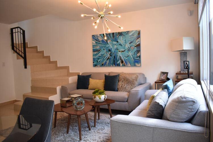 Sala de casa en Guadalupe modelo Soria en Paseo Amberes.