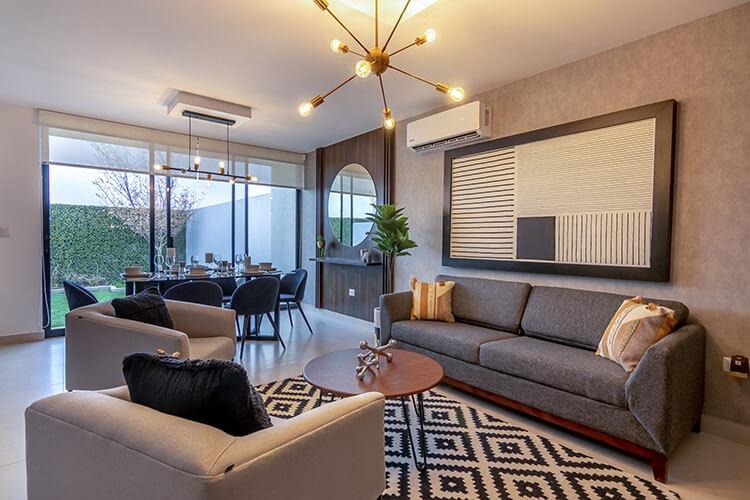 Sala de casa modelo Nava en Ankara Residencial.