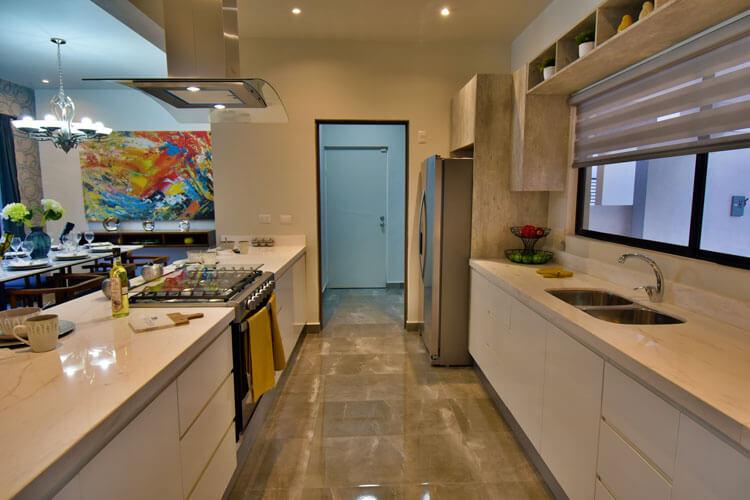 Cocina de casa modelo Khali en Alyssa Residencial.
