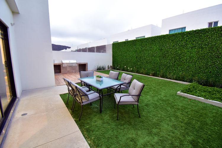 Jardín de casa modelo Khali en Alyssa Residencial.