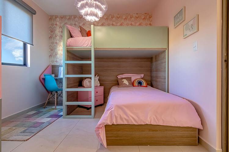 Recámara secundaria de casa modelo Vela en Alhandra Residencial.