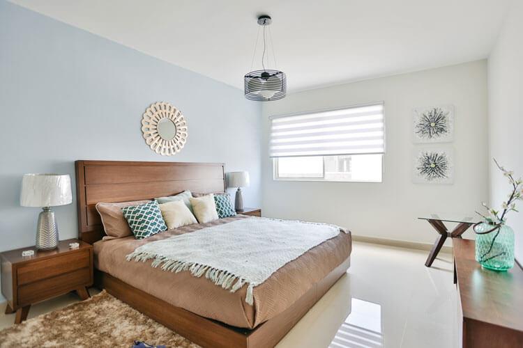 Recámara principal de casa en Cumbres modelo Ibiza VI en Montenova Residencial.