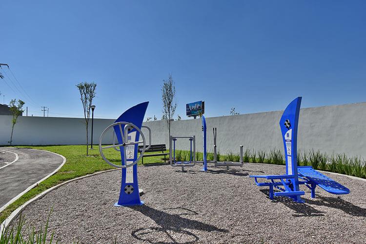 Ejercitadores al aire libre en Visalta Residencial.