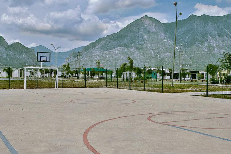 Cancha polivalente de fraccionamiento Vistabella en García