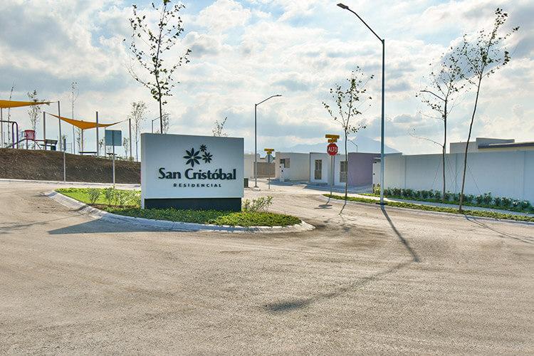 Acceso de fraccionamiento San Cristóbal en Juárez Nuevo León
