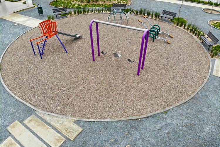 Juegos infantiles en Los Llanos Sector Alondra