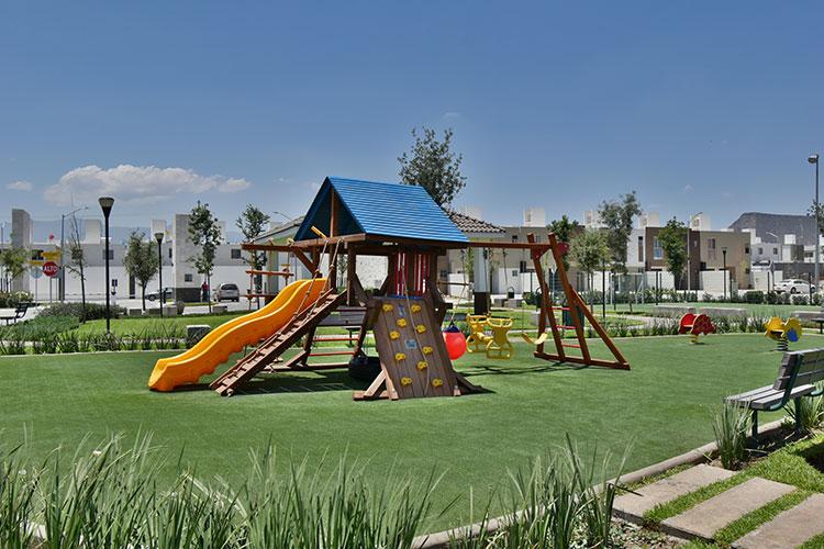 Juegos infantiles en fraccionamiento Real Ankara